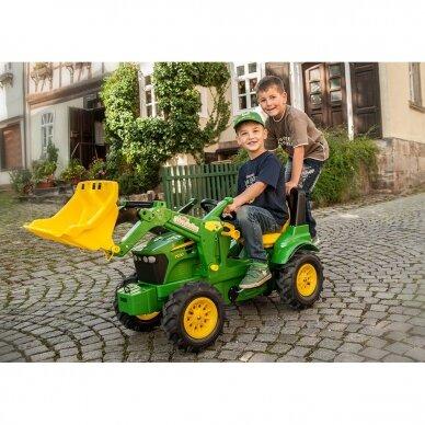Traktoriukas su pavaromis John Deere 7930 4