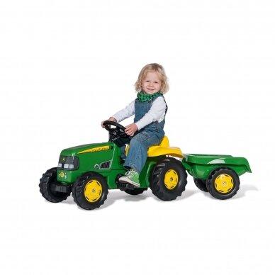 Traktoriukas su priekaba John Deere 2